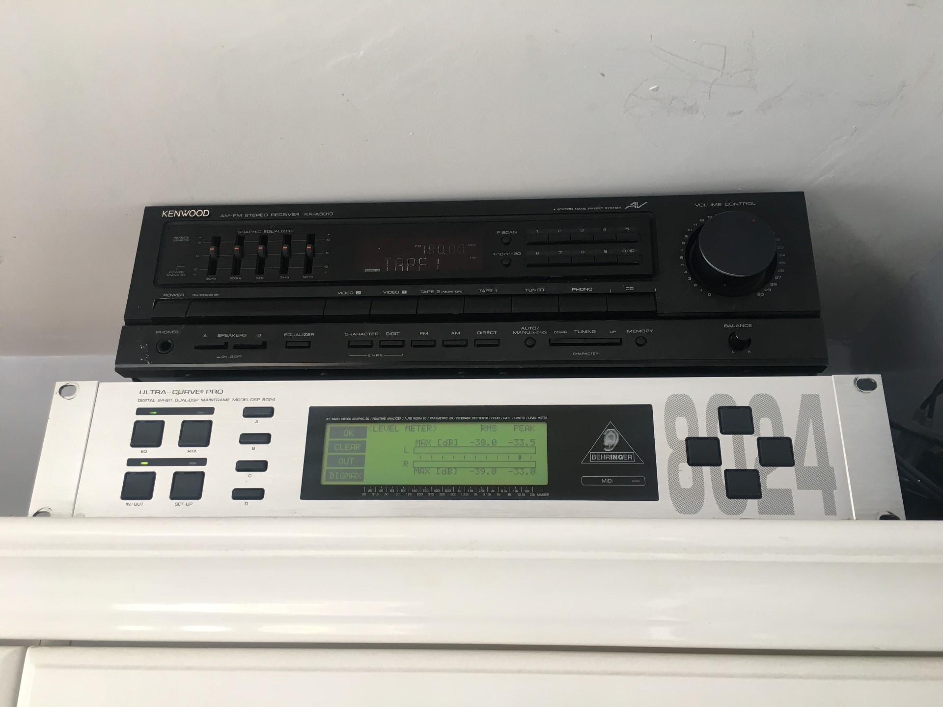 Kenwood KR-A5010 and Behringer Ultracurve
